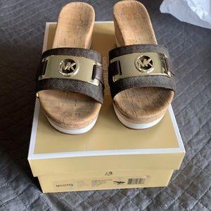 Michael Kors Warren Platform Brown logo sandals